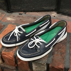 Sperry Top Sider navy boat shoe size 7 1/2