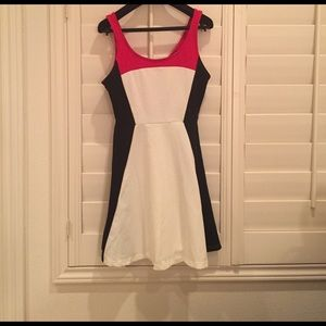 Make An OFFER! Cute! Color Block Express Dress