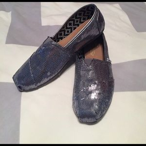 TOMS Shoes - Silver Sequin TOMS