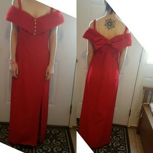 Dresses & Skirts - Vintage red gown with back bow detail size 4