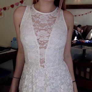 Tobi lace white dress