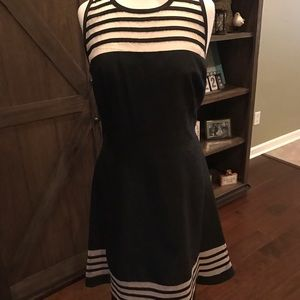 just taylor Dresses & Skirts - Just Taylor Black/Champage classy dress
