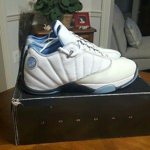 164c5a15ba67d1 Air Jordan Shoes - EUC Air Jordan 12.5 Team Low shoes size 13