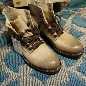 SeaVees Shoes - Boondocker women Brown leather shoes Size 8.5