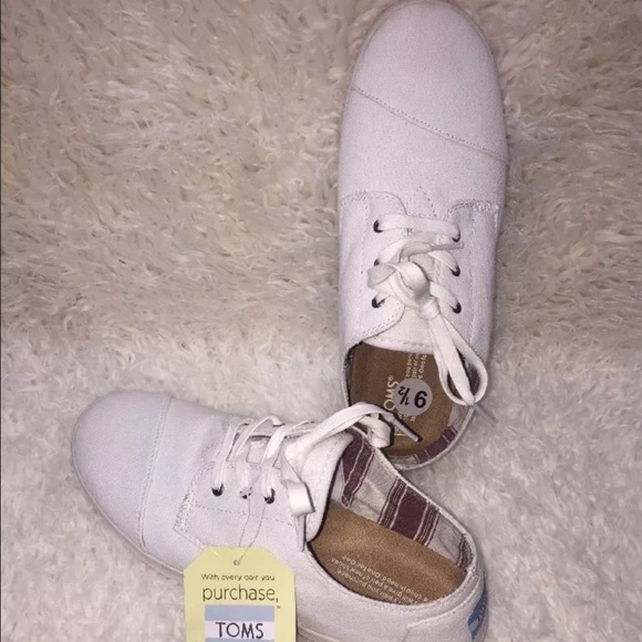 Toms Shoes   Toms Womens Paseo Laceup