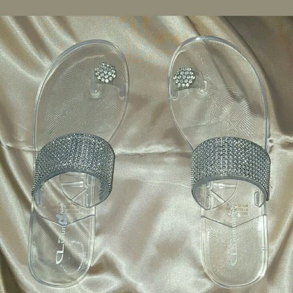 40466aaeca4785 Chinese Laundry Shoes - Chinese Laundry jelly sandals with rhinestones.NEW
