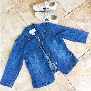 Chadwicks Jackets & Blazers - 💥FLASH SALE💥 Feminine jean jacket