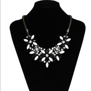 Jewelry - Black white rhinestone statement bling necklace