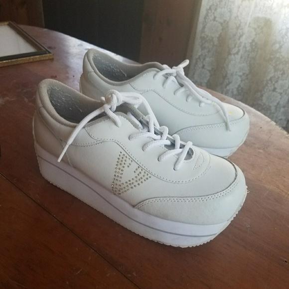 Flash Sale 9s Vtg Platform Sneakers