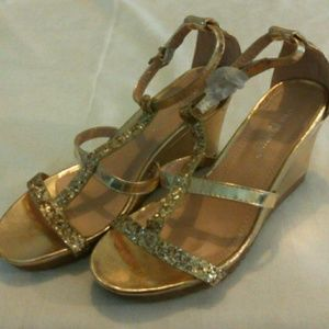 Pinky Shoes - Gold strappy wedges sz 6.5