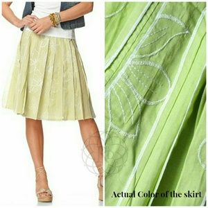 Coldwater Creek  Dresses & Skirts - Coldwater Creek Green Embroidered Floral Skirt