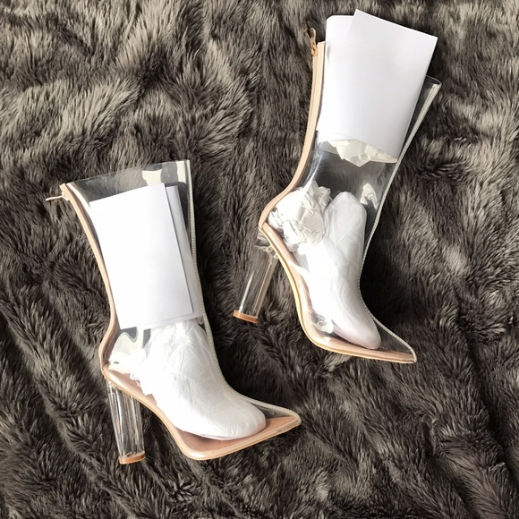 Cape Robbin Shoes - NWT ⭐️ Lucite Perspex Boots in Clear