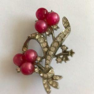 Vintage Jewelry - Vintage pink pearl and rhinestone brooch