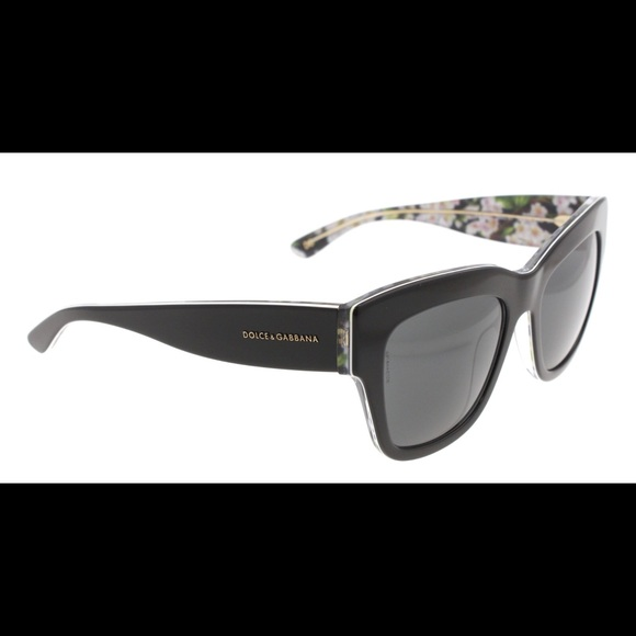 c3d553f7acc Dolce   Gabbana Accessories - Authentic Dolce   Gabbana Flower sunglasses