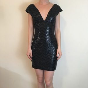 Lovers + Friends Dresses & Skirts - Lovers + Friends Black Sequin Party Dress