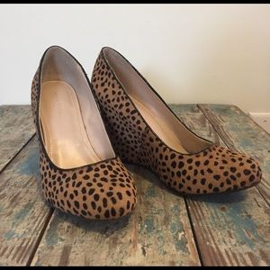 Banana republic leopard print wedge