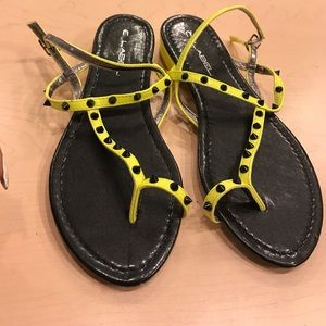 C. LABEL NEON YELLOW SPIKED SANDALS SIZE 9