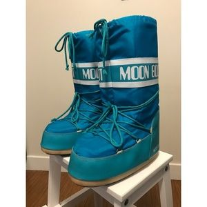 Moon Boot Other - LIKE NEW MOON BOOTS