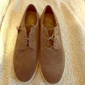 Crevo Other - NWT Crevo Memory Foam shoes