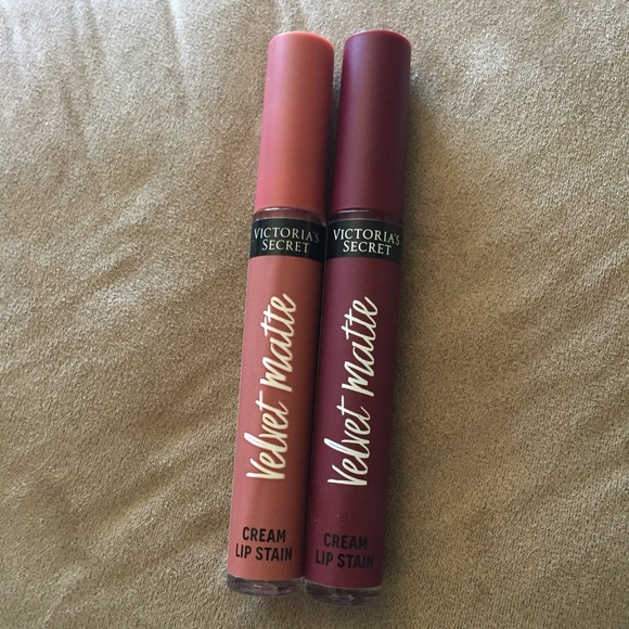 df50d978eaadd NWOT Victoria's Secret Velvet Matte Lipsticks Lot