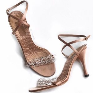 Gucci Shoes - 🎉HP🎉Gucci Strappy Crystal Heels