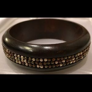 Jewelry - Brown Wooden Beaded Bangle Bracelet