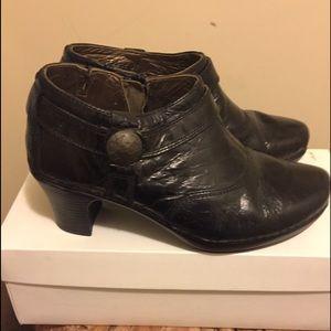 Josef Seibel Shoes - JOSEF SEIBEL LEATHER BOOTIES SIZE 7 🌺🌺🌺🌺🌺🌺🌺