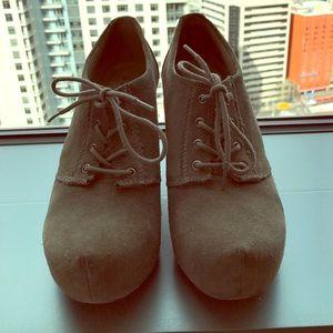 hinge Shoes - Hinge Grey Booties