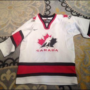 Nike Other - Nike boys Med Canada Hockey Jersey NWOT