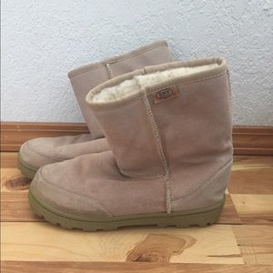 Emu Shoes - EMU brand boots