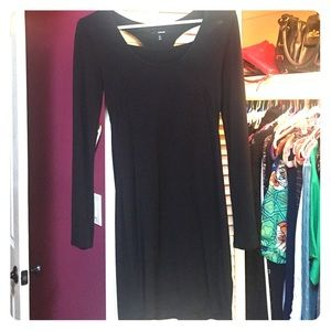 Comfortable Black Hurley Dress with Long Sleeves