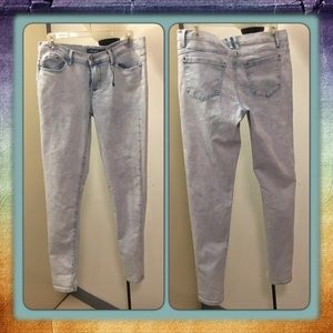 Denim - Light Stone Washed Jeans