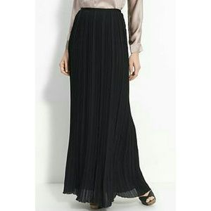 Zara Dresses & Skirts - Zara Basic Pleated Maxi Skirt