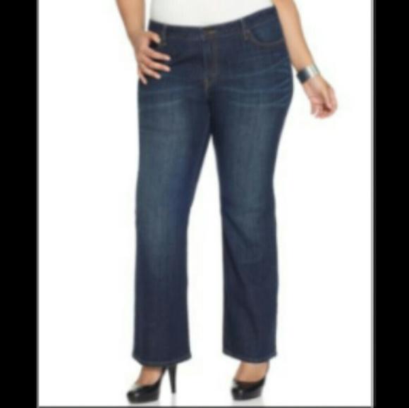 30e7591528b Levi s Plus Size 590 Fuller Waist Bootcut Jeans