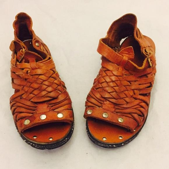 710f84977177 70s Huarache Sandals Ankle Straps Tire Soles 5 35.  M 58bde7d041b4e0778b01a7a3