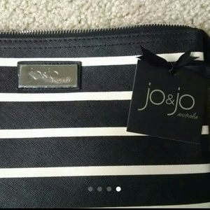 Jo-Jo Accessories - Makeup clutch