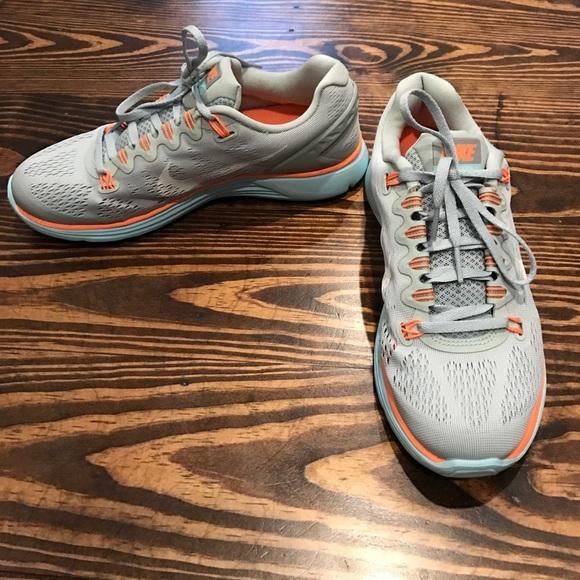 de51de959375 Nike Lunar Glide 5! Tiffany Blue like color. M 58bde93b4e95a3addf0f4bf3