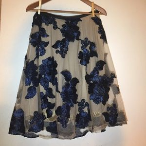 NBW Romantic Skirt w embroidered flowers