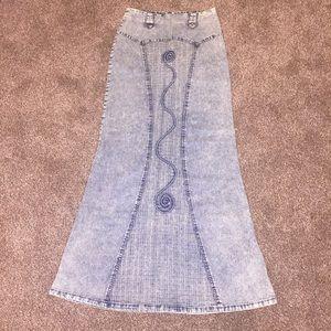 Dresses & Skirts - Denim maxi skirt jean hip hugging detailed size s