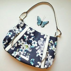 Liz Claiborne Handbags - 💕HP💕 Liz Claiborne - spring flower purse