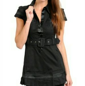 Nwt - Black top with Ruffled hem - size large