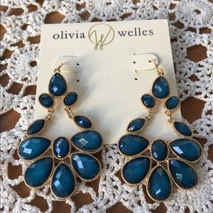 NWT Olivia Welles Teardrop Earrings