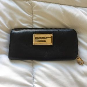 Marc Jacobs Zip Around Black Leather Wallet