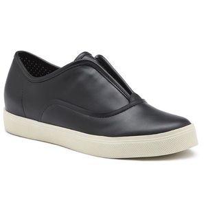 Bass Shoes - BNIB G.H. BASS & CO. ESCAPADE in BLACK 😎