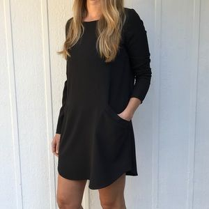 BB Dakota Dresses & Skirts - Black shift dress
