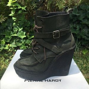 Pierre Hardy Shoes - Pierre Hardy suede wedge boot size 37
