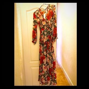 vici collection Dresses & Skirts - Maxi Floral Dress