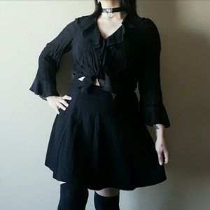 VTG Witchy Ruffle Embroidered Top