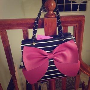 Betsey Johnson Handbags - 🦋Betsey Johnson Shoulder Bag