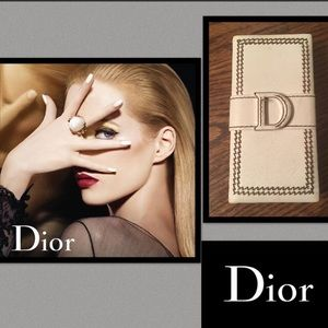 Dior Other - 🆕Dior🌹Detective Chic Shimmery Powder Face Eyes